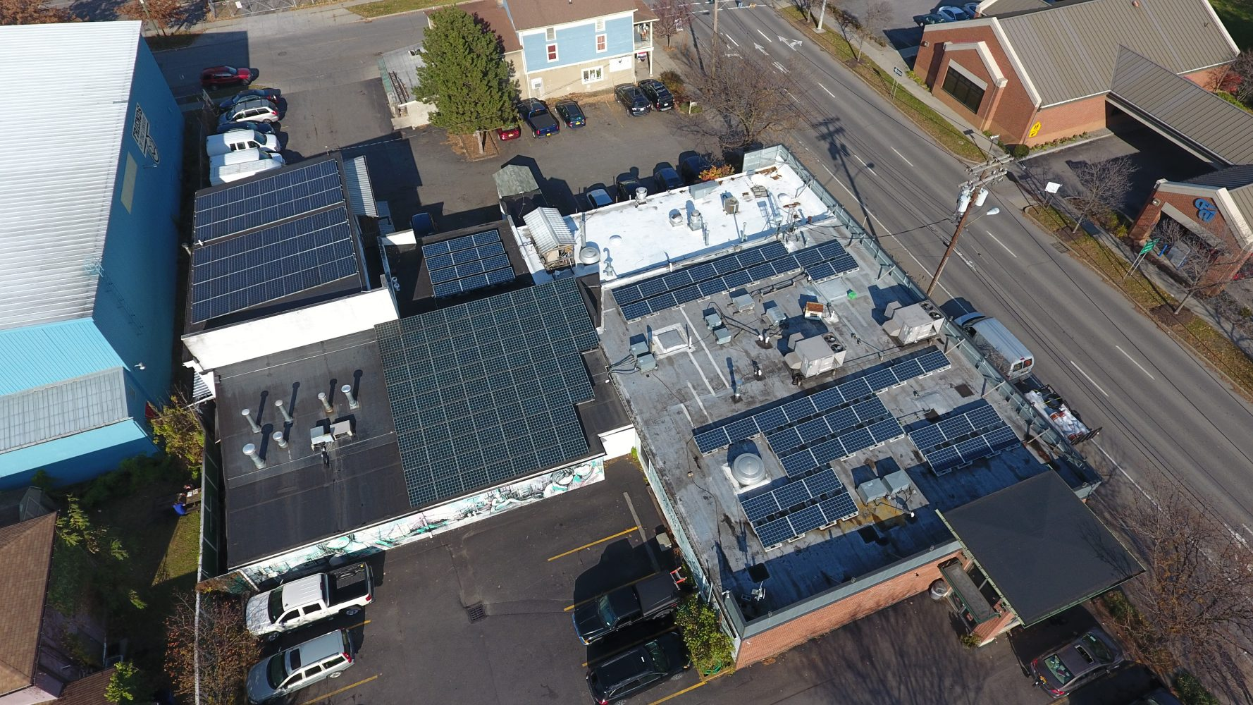 commercial solar panels manufactured by Renovus Solar in New York