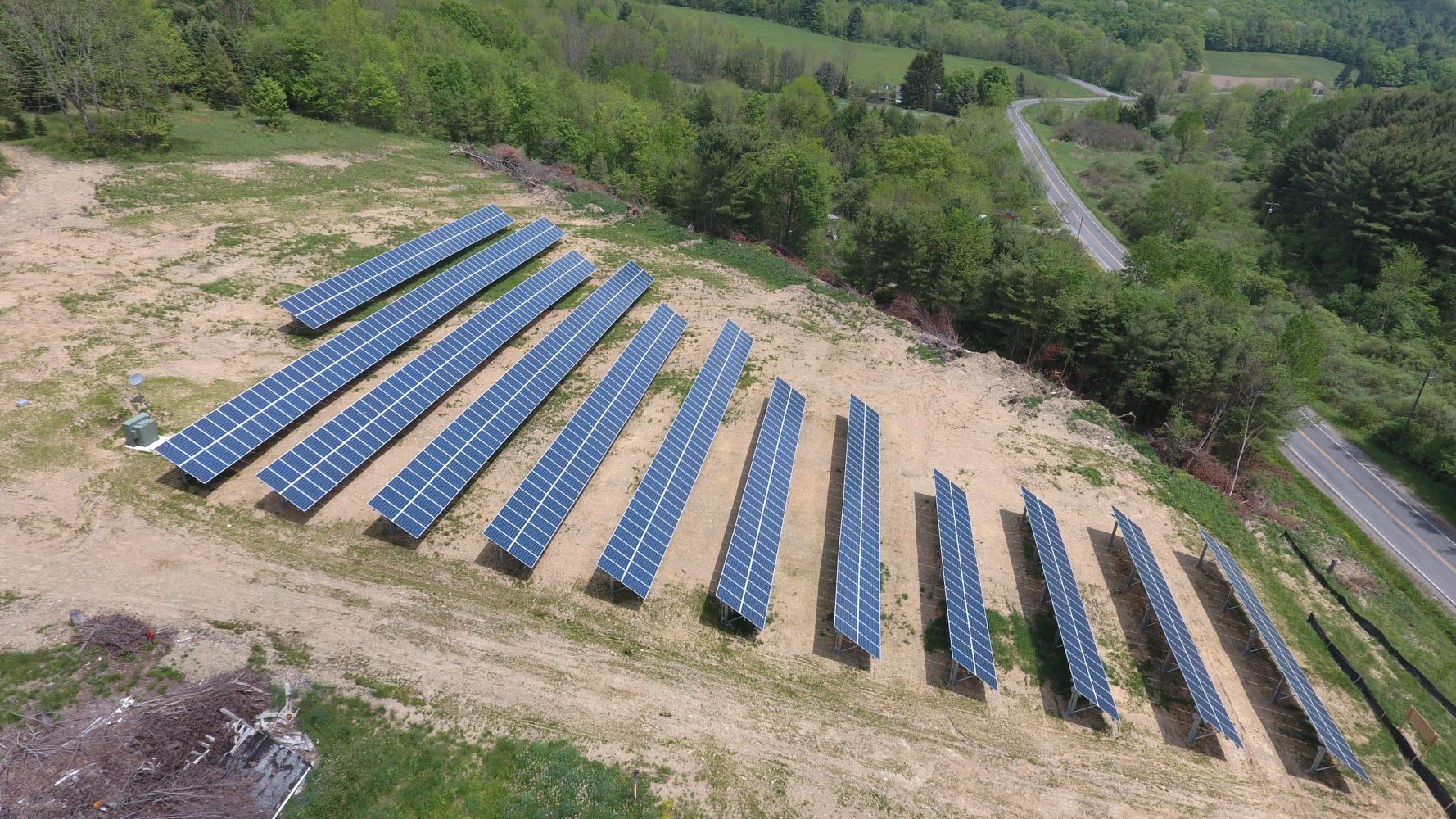 Community solar farm built by Renovus Solar manufacturing